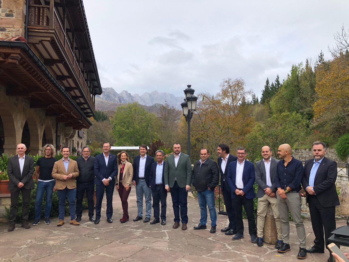 El nuevo desarrollo sostenible del Parque Nacional de Picos de Europa incluirá el control de la población de lobos
