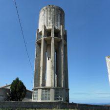 Ribadedeva encargará un informe técnico para salvar o demoler el antiguo depósito de Pimiango