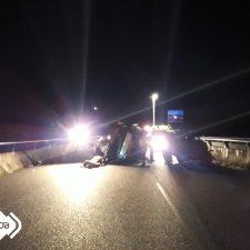Los bomberos denuncian escasez de medios en el accidente de tráfico ocurrido ayer en Llanes