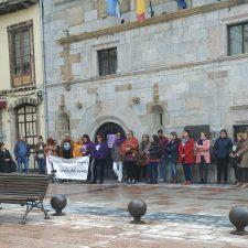 El oriente de Asturias se echa a la calle para erradicar la Violencia Machista
