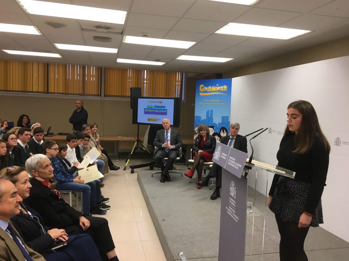 Los creadores de la lavadora piloñesa Leti 2.0 recogen en Madrid el Premio Nacional Consumóplis 14