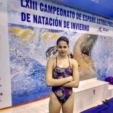 Excelente papel de la nadadora juvenil canguesa Ineke Ardines en su primer Campeonato de España Absoluto