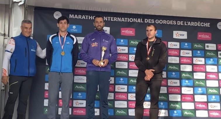 Oro, plata y bronce para los palistas asturianos en la Maratón del Ardèche