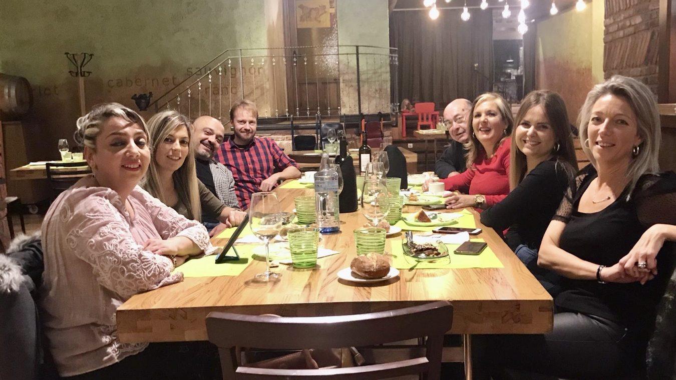Cena de peluqueros en Cangas de Onís el día de su santo patrón