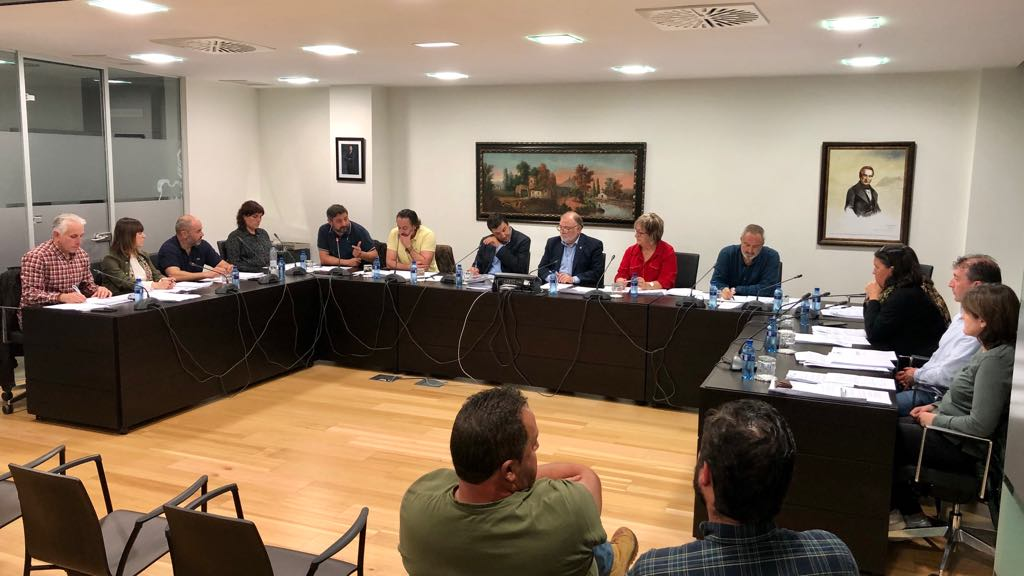 PSOE, Foro, PP y Cs aprueban el primer presupuesto de la legislatura en el Ayuntamiento de Ribadesella