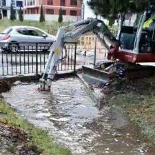 Ribadesella limpiará los dos pasos subterráneos que generan inundaciones en la calle Carretera Río San Pedro