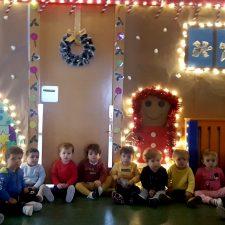 La iluminación navideña también llega a la Escuela Infantil de Llanes