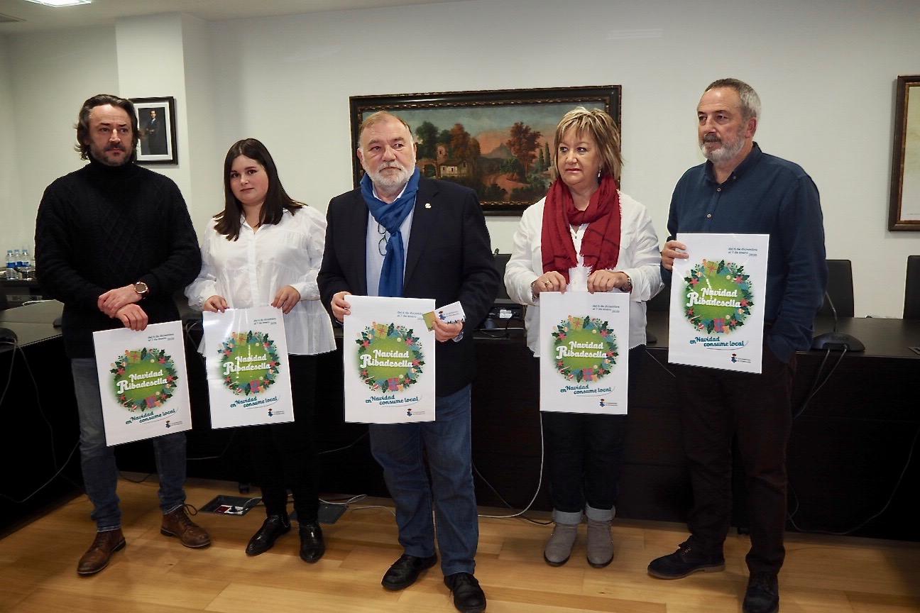 105 establecimientos de Ribadesella participarán en la campaña navideña para fomentar el consumo local