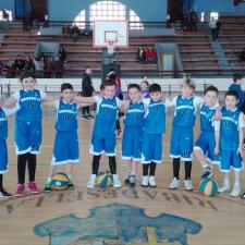 El baloncesto regresa a los juegos escolares en Ribadesella con el debut del equipo benjamín