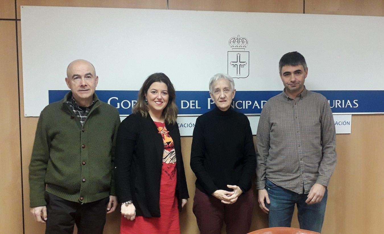La Asociación El Patiu presenta sus proyectos a la Consejera de Educación