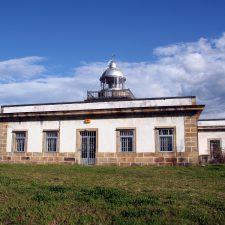 Floatel sigue adelante con su proyecto turístico para el Faro de Ribadesella y acepta vincularlo al Cachucho