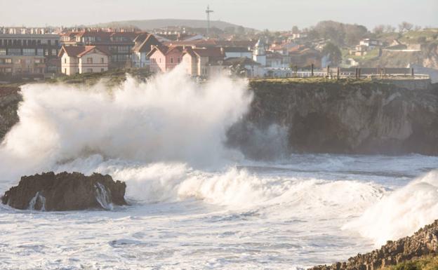La borrasca Gloria deja rachas de viento de 110 km/h en Llanes y 90 en Cabrales
