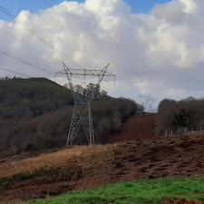 Cs Parres pide una tasa municipal para las compañías eléctricas