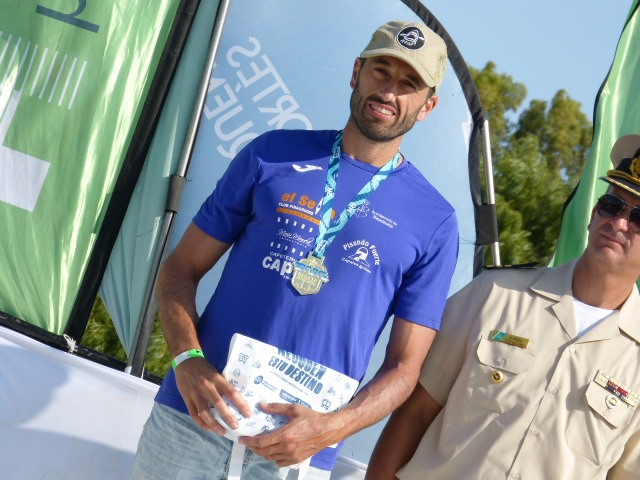 Walter Bouzán gana la primera etapa de la Regata Internacional del río Negro