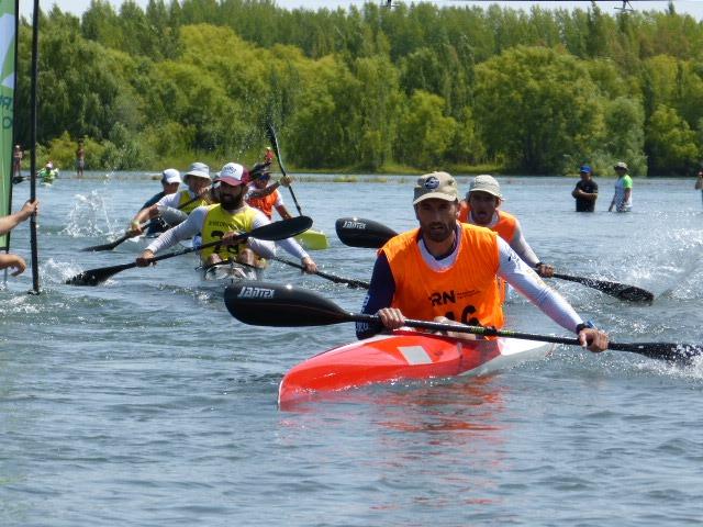 Walter Bouzán también gana la segunda etapa de la Regata Internacional del río Negro