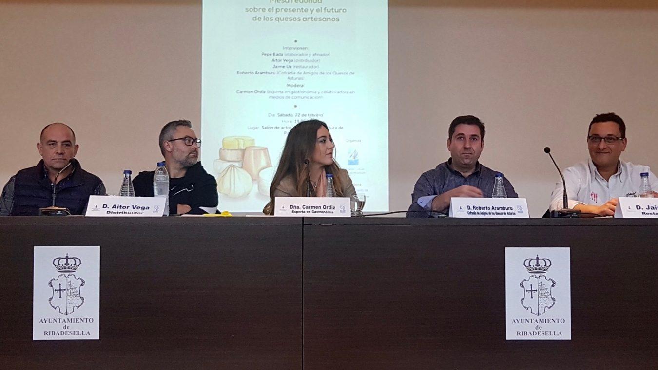 Expertos en gastronomía analizan en Ribadesella el presente y futuro de los quesos artesanos de Asturias