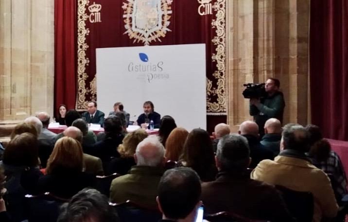 Un verso femenino de Onís en la presentación del proyecto Asturias, Capital Mundial de la Poesía