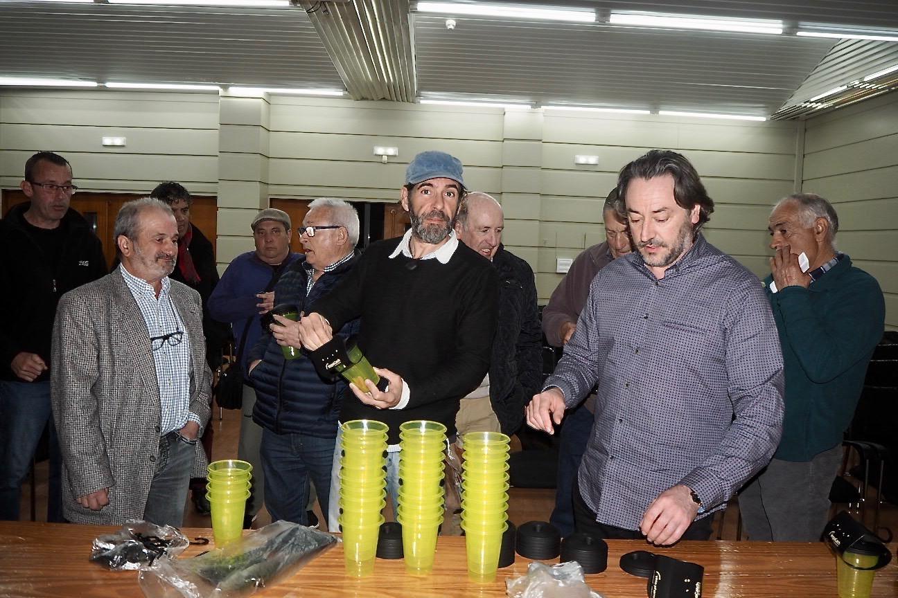 Ribadesella pide la colaboración vecinal para acabar con la Velutina, la avispa asiática