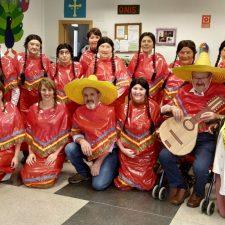 Inspiración mejicana en el Antroxu del Centro de Día de Onís