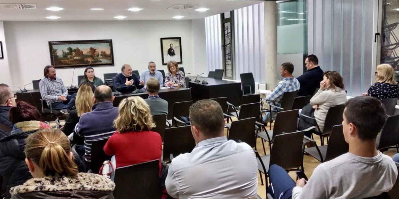 Ribadesella promueve un servicio público de transporte para la Fiesta de les Piragües