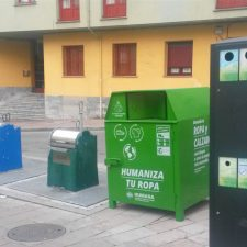 La Fundación Humana recoge 233.000 prendas de ropa usada en el oriente de Asturias