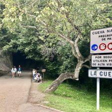 El PP de Ribadesella pide semáforos y nuevos aparcamientos en Cueves del Agua