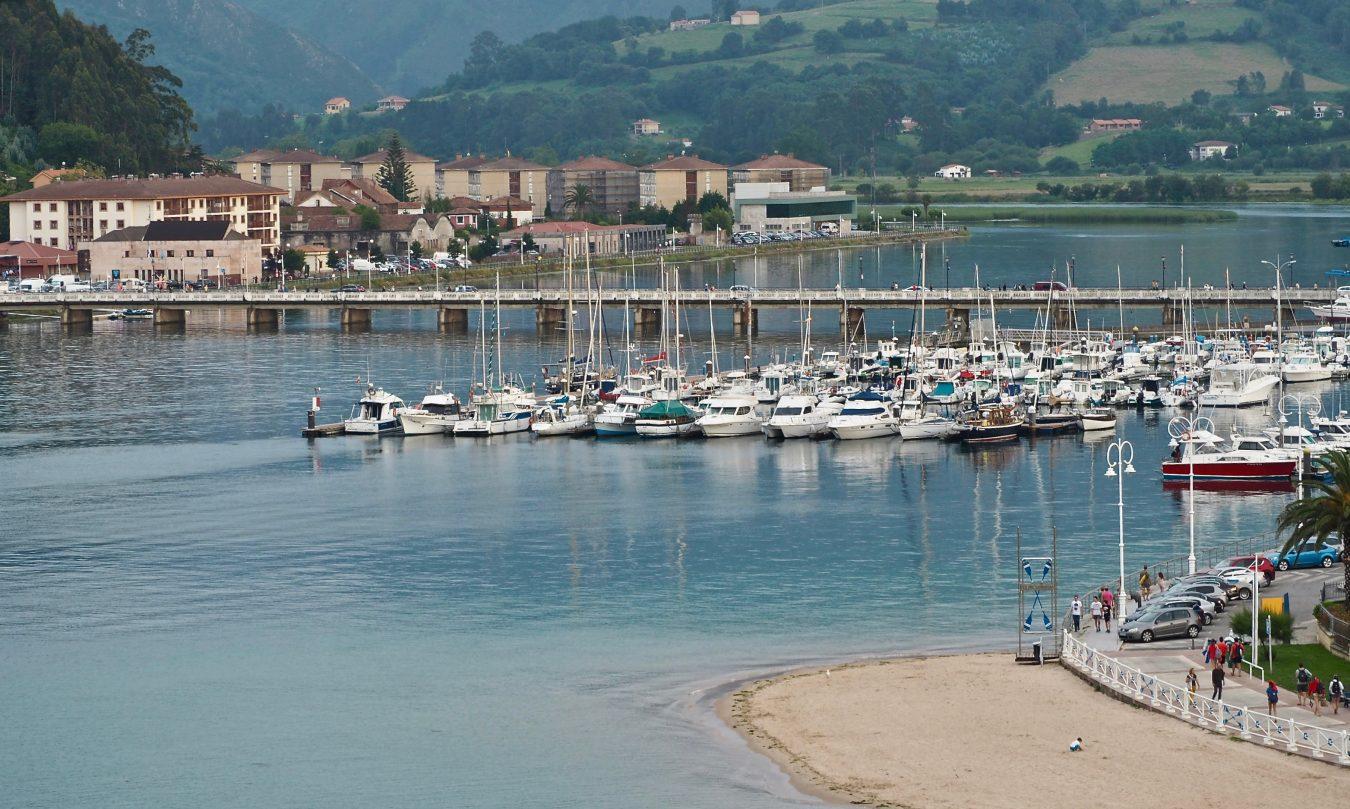 El turismo náutico sigue en plena forma en Ribadesella donde el año pasado pernoctaron 276 embarcaciones de tránsito