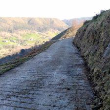 Concluida la mejora de caminos ganaderos y forestales en la localidad llanisca de Purón