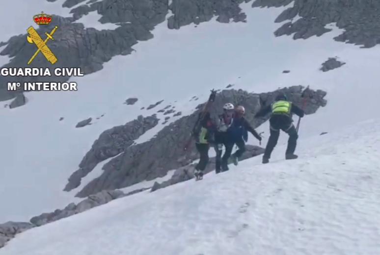 Evacuado al Hospital de Arriondas un participante accidentado en la Sotres Ski Tour