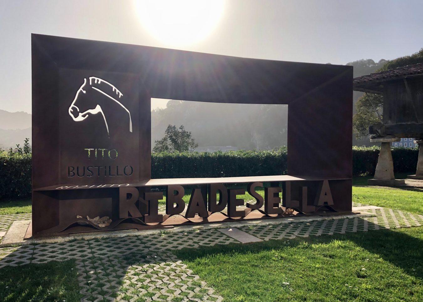 Indignación en el PP de Ribadesella por la presentación de las actividades de Tito Bustillo en Teverga