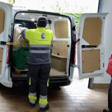 El Banco de Alimentos entrega una tonelada de productos no perecederos para las familias mas necesitadas de Ribadesella