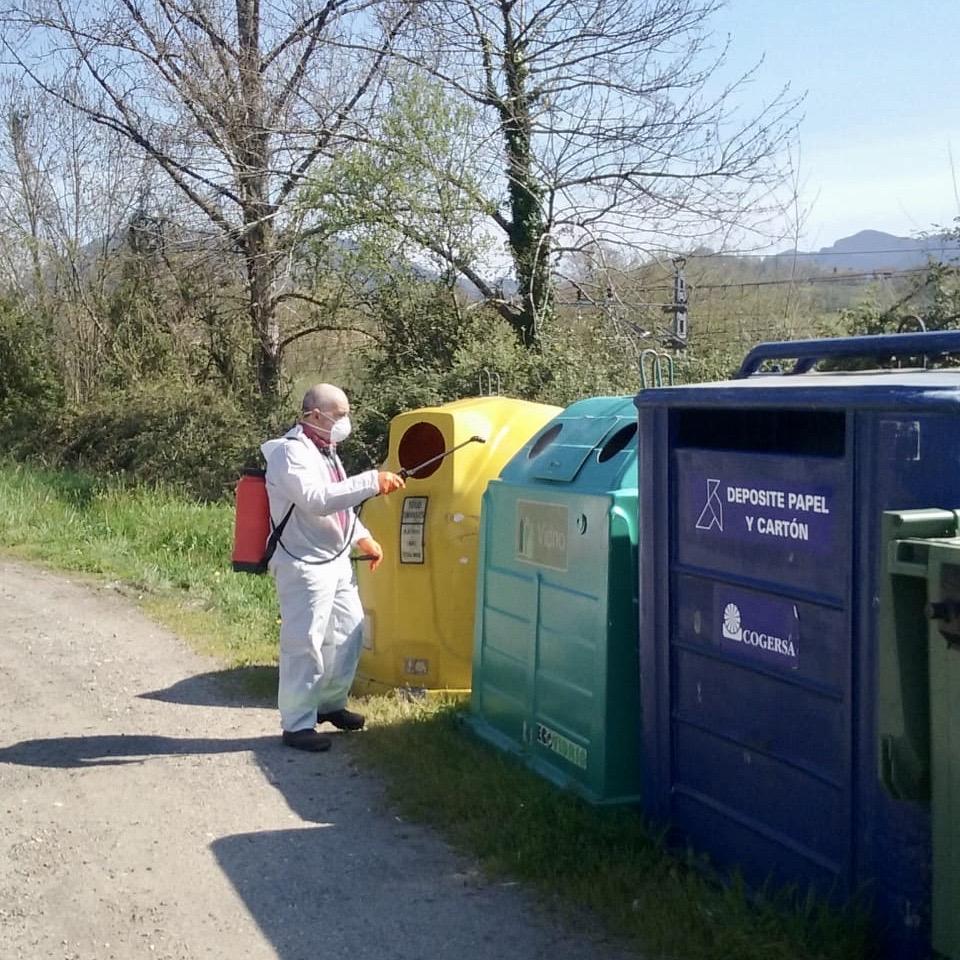 El Ayuntamiento de Parres traslada las desinfecciones a la zona rural del municipio