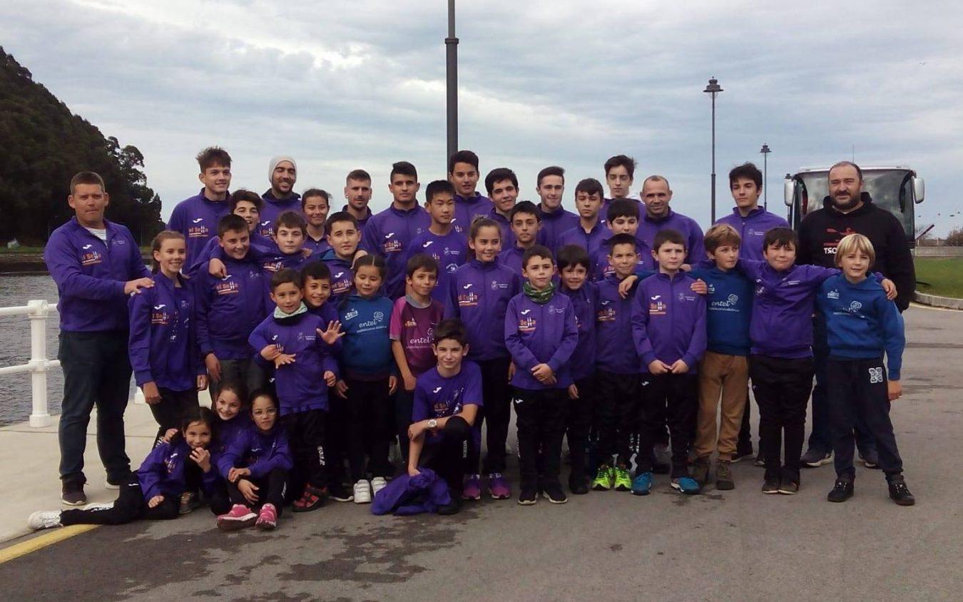 El Club Piragüismo El Sella dona cerca de mil euros a Cruz Roja Ribadesella para estos tiempos de crisis sanitaria