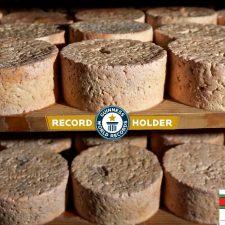 El queso de Cabrales subastado en 2019 en Arenas entra en el libro Guinness de los Records