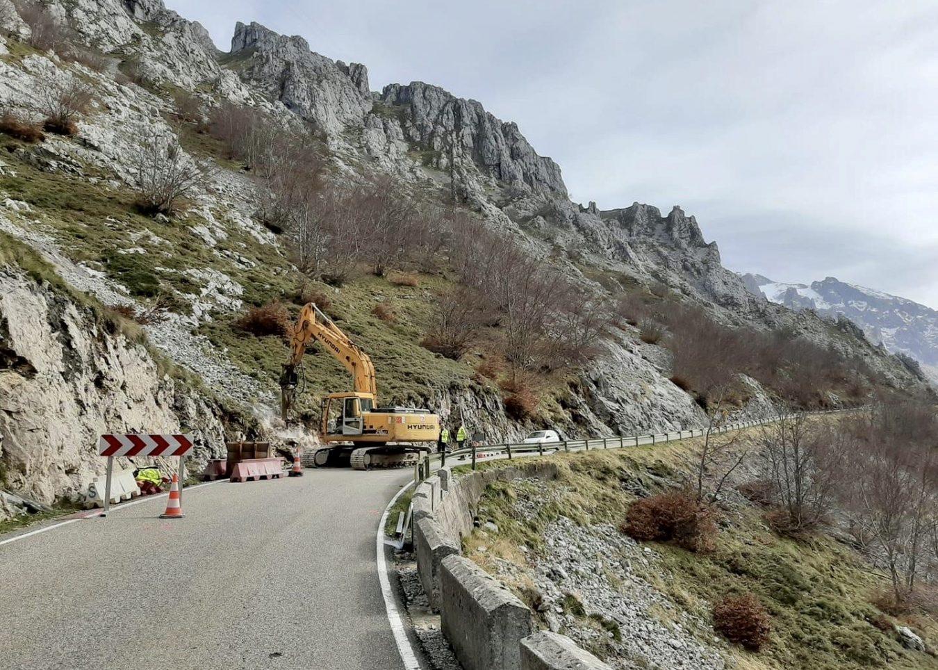 A partir del lunes 8 de junio habrá cortes intermitentes en la carretera de Sotres (Cabrales)