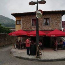 El Ayuntamiento de Onís anula la tasa anual de terrazas a todos los hosteleros del concejo