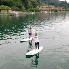 Una serie documental de La 2 de TVE recorrerá el Camino de Santiago del Norte en tabla de surf