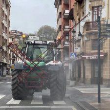 Cangas de Onís intensifica la desinfección de sus calles y zona rural