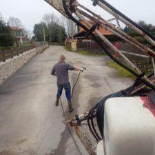 Llanes inicia la segunda ronda de desinfección de calles y caminos en el concejo