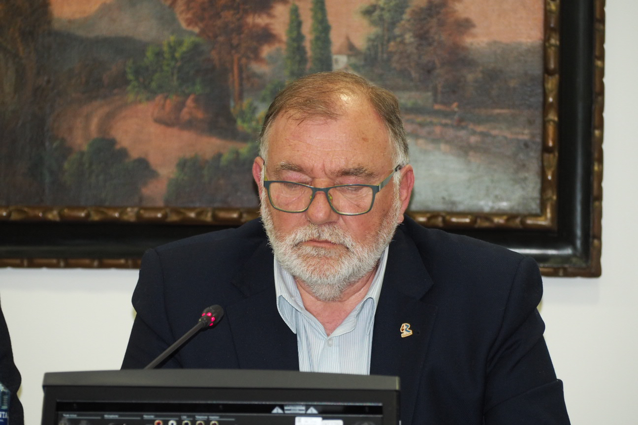 Canal defiende unas ayudas covid que no descapitalicen las arcas municipales de Ribadesella
