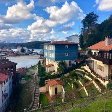 Las pernoctaciones en los hoteles asturianos durante el mes de marzo bajaron un 65%