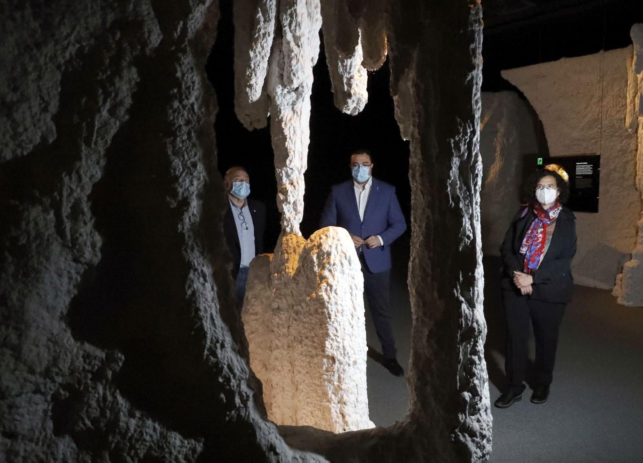 Barbón anuncia para el 10 de junio la reapertura de la cueva Tito Bustillo de Ribadesella
