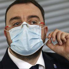 Barbón aplaza al lunes su decisión sobre el comercio minorista debido a la mala evolución de la pandemia