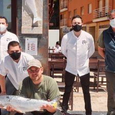La Ría del Campanu paga 2.000 euros por el primer salmón del río Sella