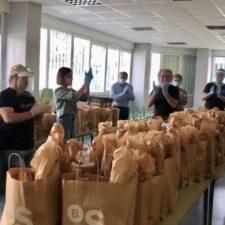 Mas de 3.000 menús salieron de los fogones solidarios de Arriondas