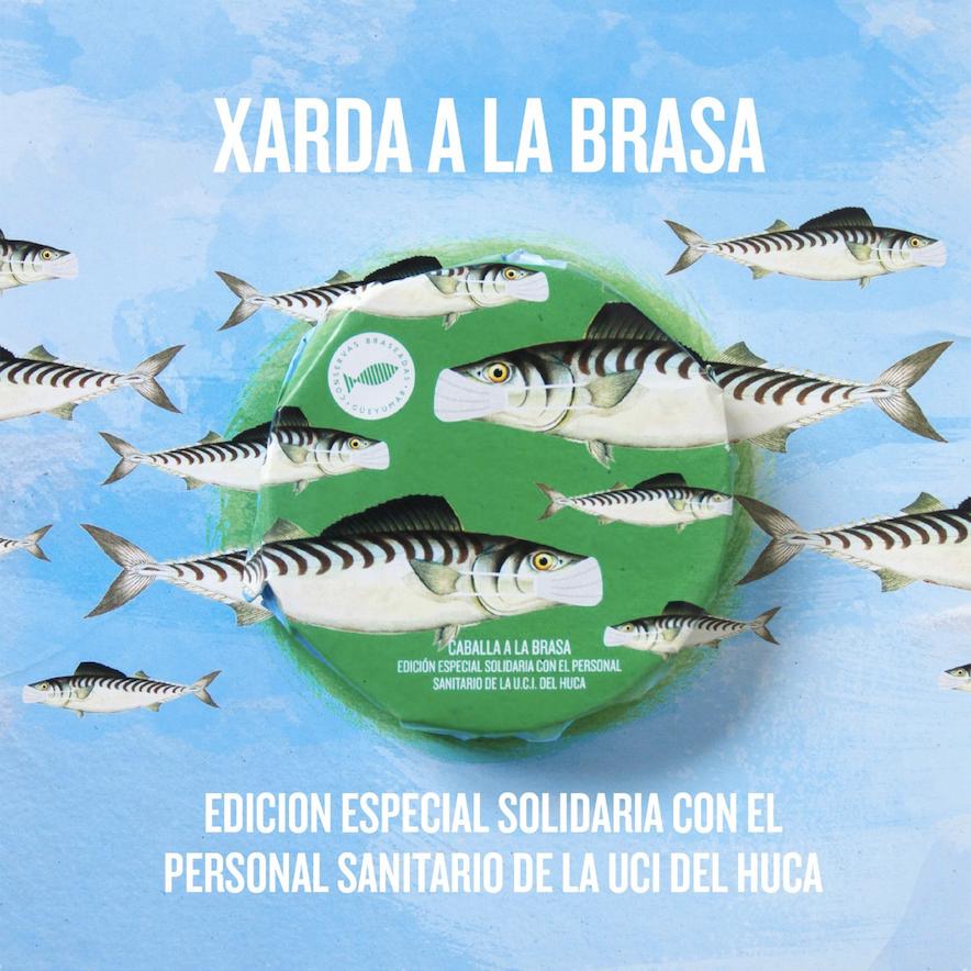 Xarda de Ribadesella a la brasa y con mascarilla para reconocer la labor de los trabajadores del HUCA