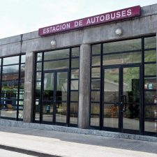 Ricardo Cangas pide presionar al Principado para que se incrementen las frecuencias del transporte público que une Ribadesella con el centro de Asturias