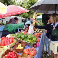 El Ayuntamiento de Llanes mantendrá abiertos los mercados semanales intensificando la presencia policial