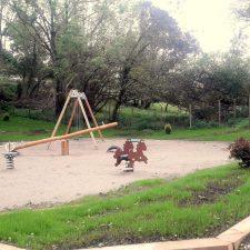 El parque infantil de Piñeres de Pría listo para el disfrute de los niños cuando lo permita el estado de alarma