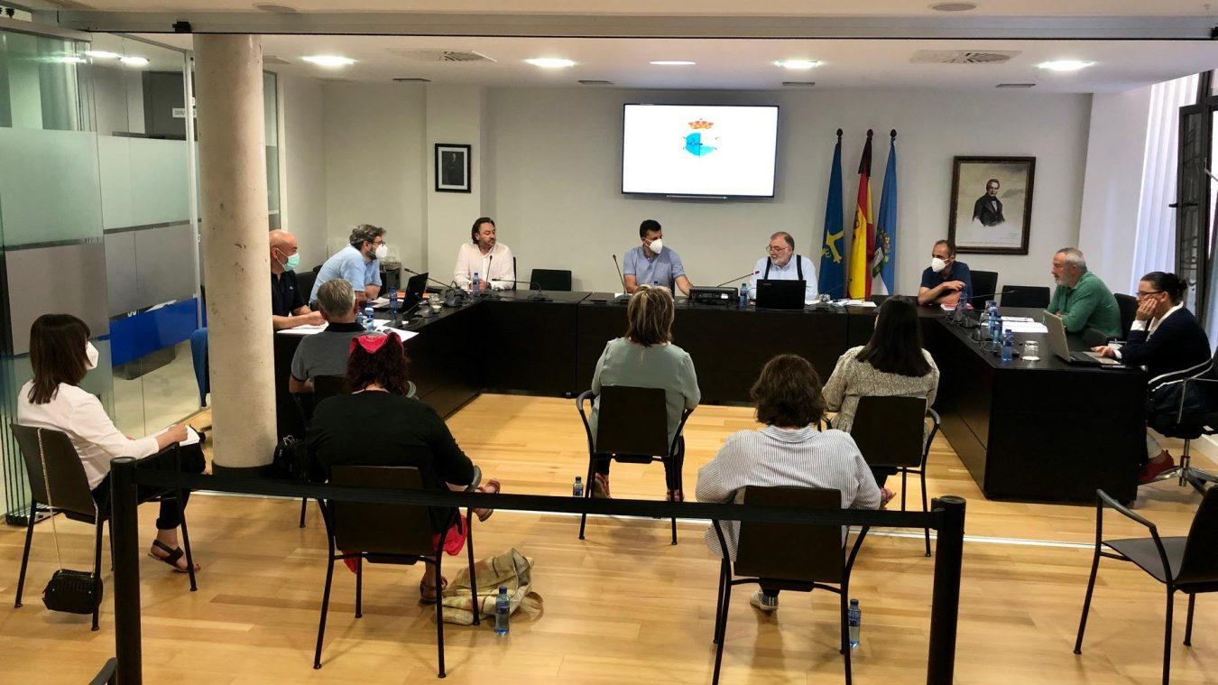 Duro rifirrafe entre Canal y Cangas en el pleno presupuestario del Ayuntamiento de Ribadesella
